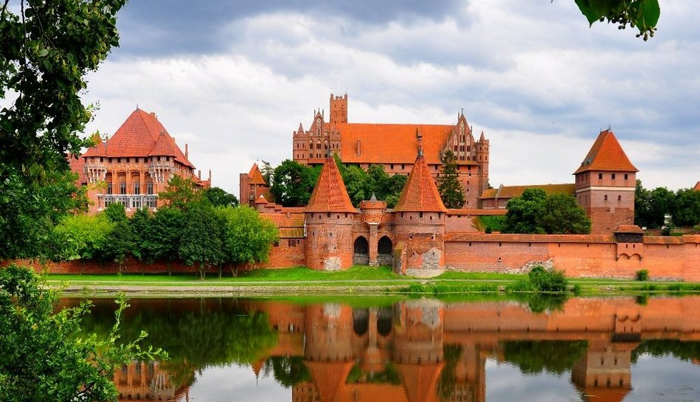 Замки Польщі